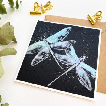 DIY: Vážky – přání na černém podkladu